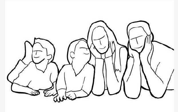 Семья на полу, опираются на руки